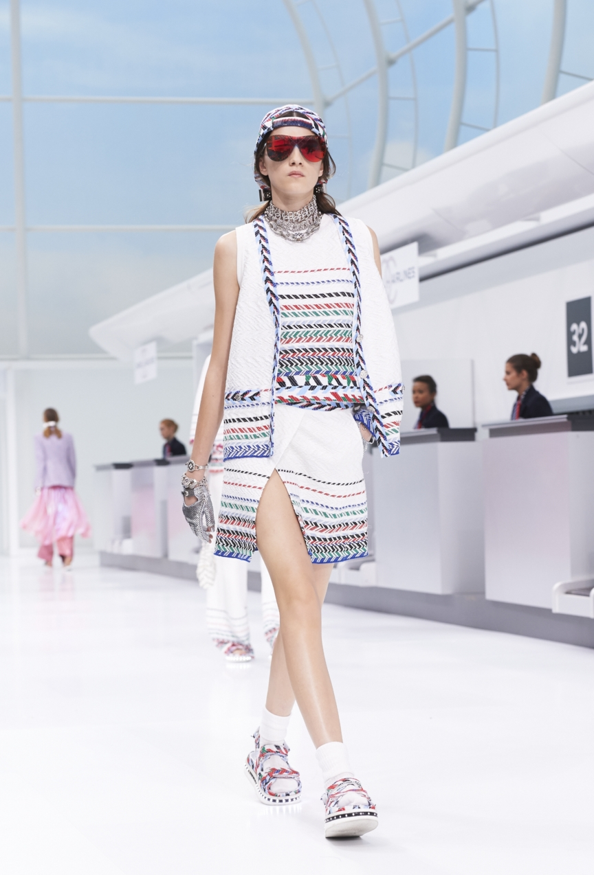 chanel-paris-fashion-week-spring-summer-2016-show-44