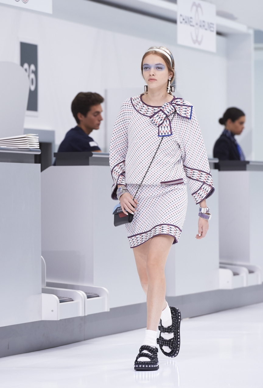 chanel-paris-fashion-week-spring-summer-2016-show-47
