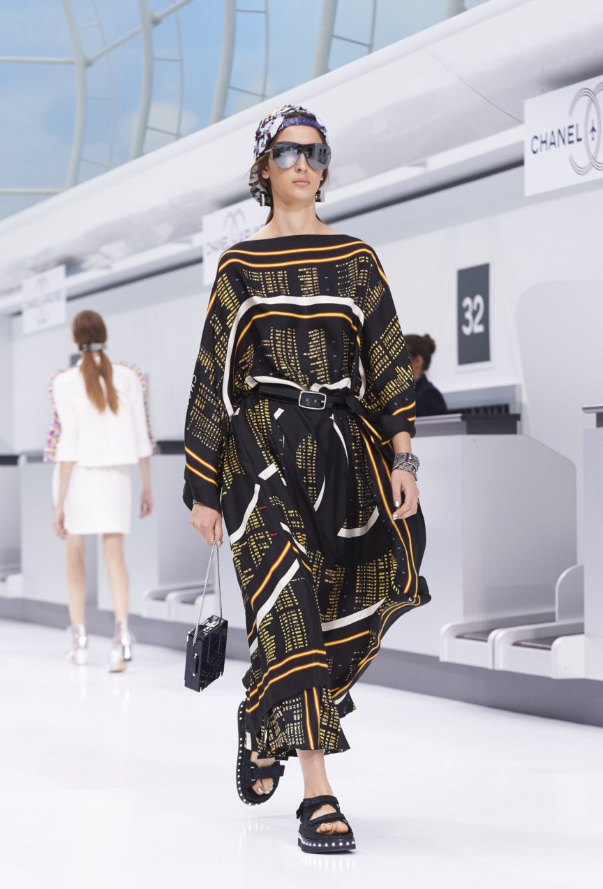 chanel-paris-fashion-week-spring-summer-2016-show-48