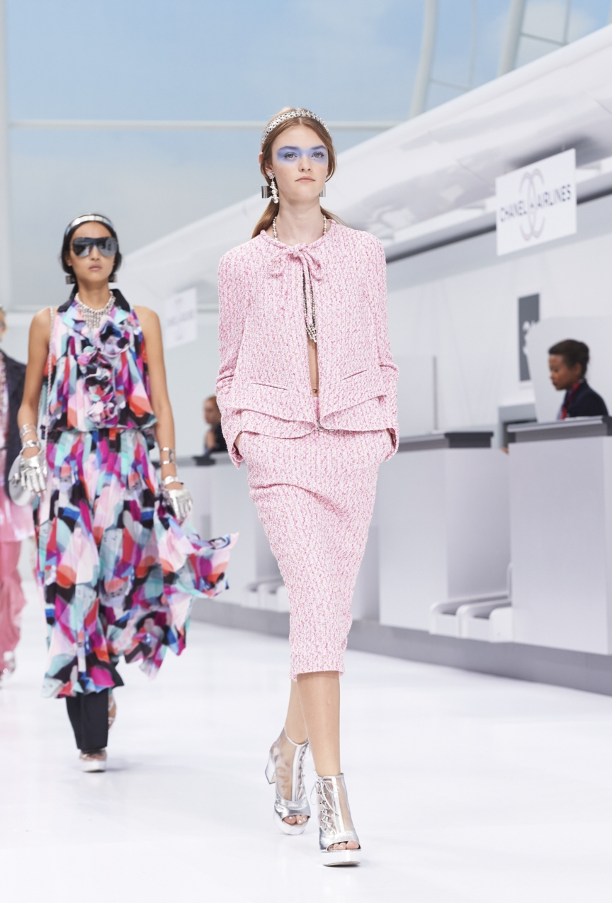 chanel-paris-fashion-week-spring-summer-2016-show-56