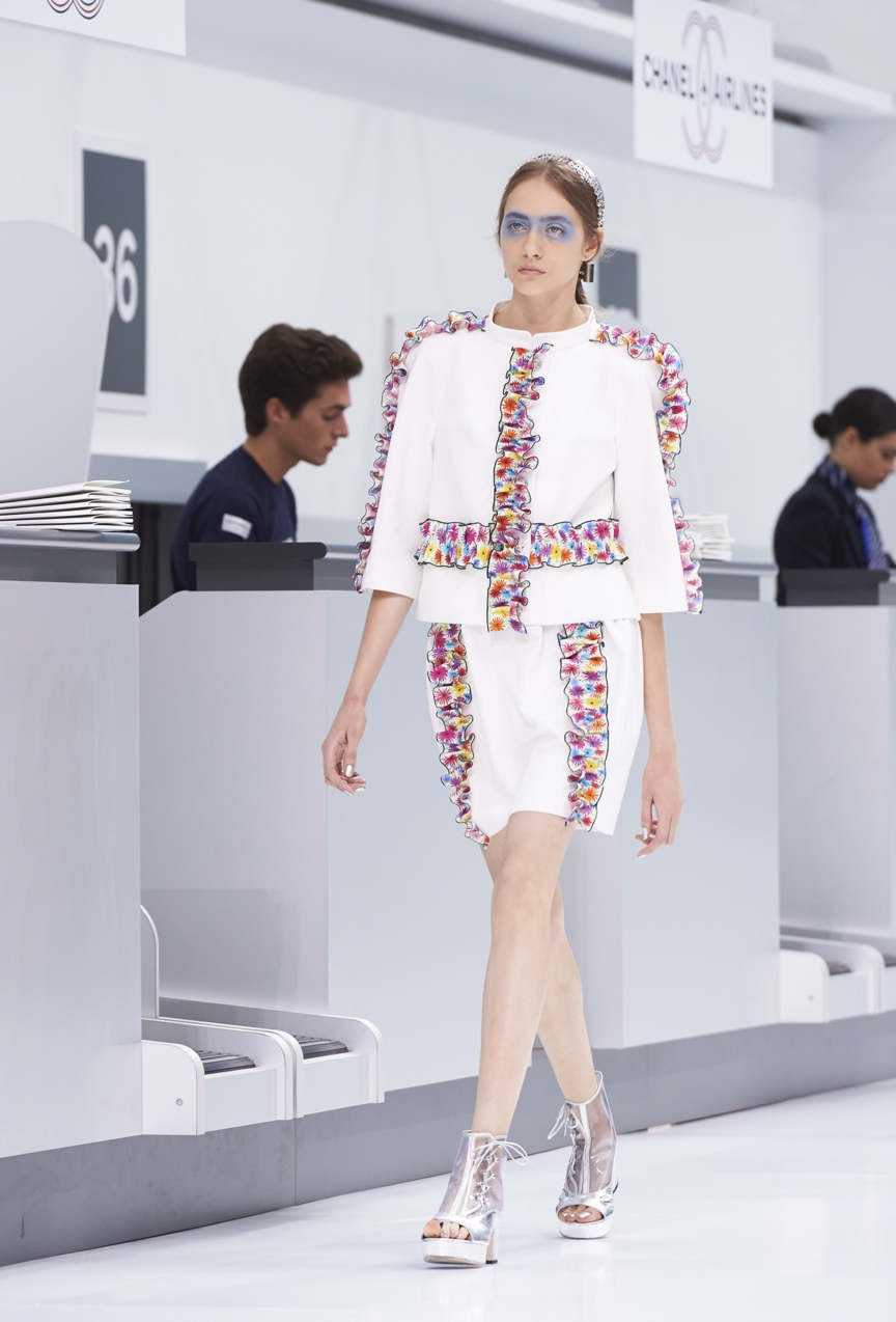 chanel-paris-fashion-week-spring-summer-2016-show-63