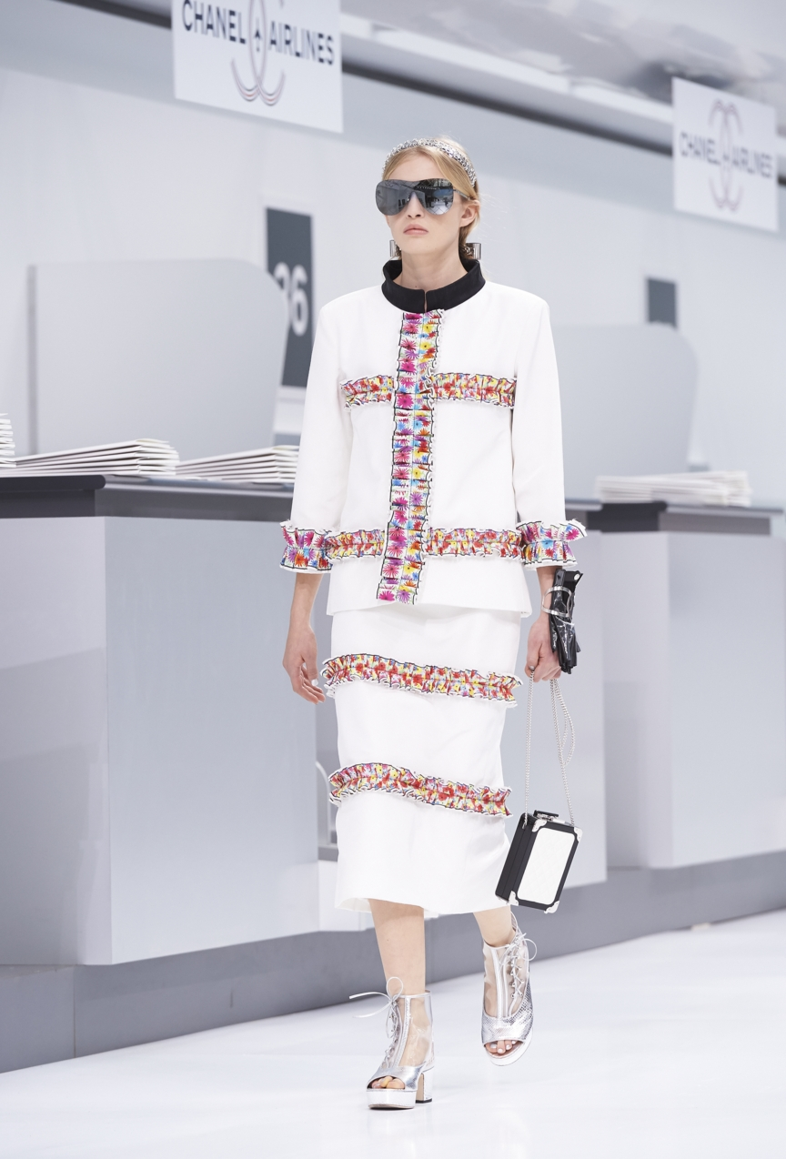 chanel-paris-fashion-week-spring-summer-2016-show-65