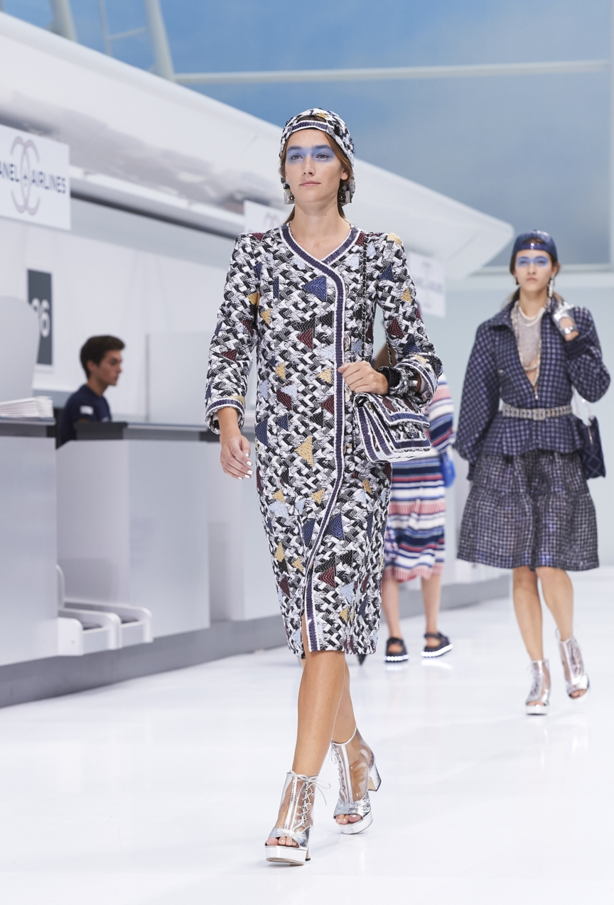 chanel-paris-fashion-week-spring-summer-2016-show-9