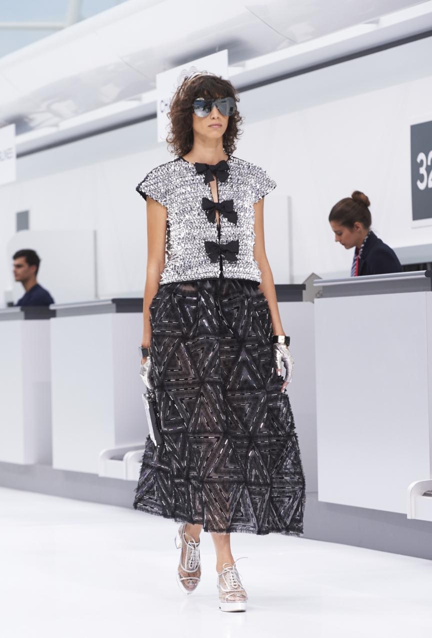 chanel-paris-fashion-week-spring-summer-2016-show-98