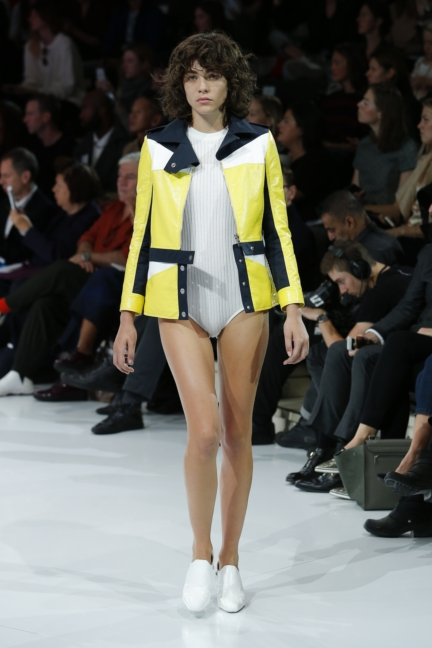 courreges-paris-fashion-week-spring-summer-2016-10