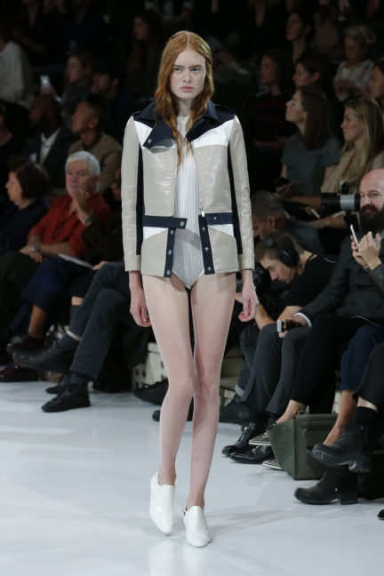 courreges-paris-fashion-week-spring-summer-2016-11