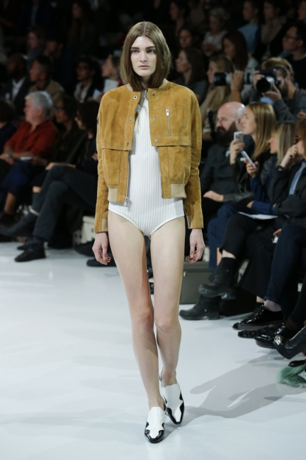 courreges-paris-fashion-week-spring-summer-2016-16