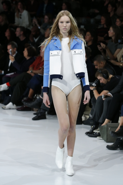 courreges-paris-fashion-week-spring-summer-2016-2