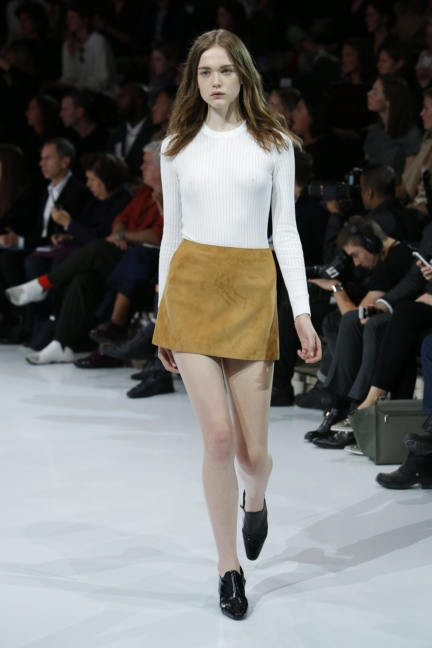 courreges-paris-fashion-week-spring-summer-2016-20