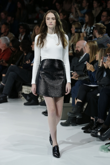 courreges-paris-fashion-week-spring-summer-2016-24