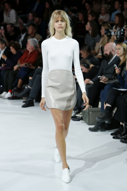 courreges-paris-fashion-week-spring-summer-2016-25
