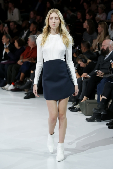 courreges-paris-fashion-week-spring-summer-2016-26