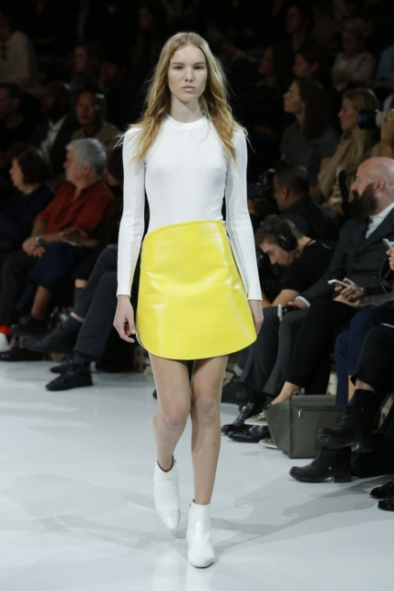 courreges-paris-fashion-week-spring-summer-2016-27