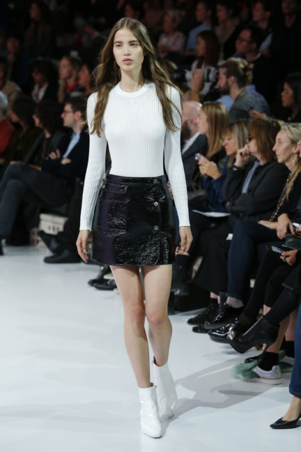 courreges-paris-fashion-week-spring-summer-2016-28
