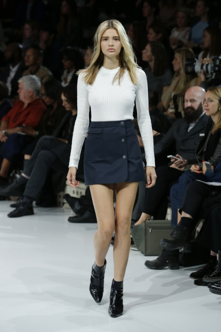 courreges-paris-fashion-week-spring-summer-2016-30