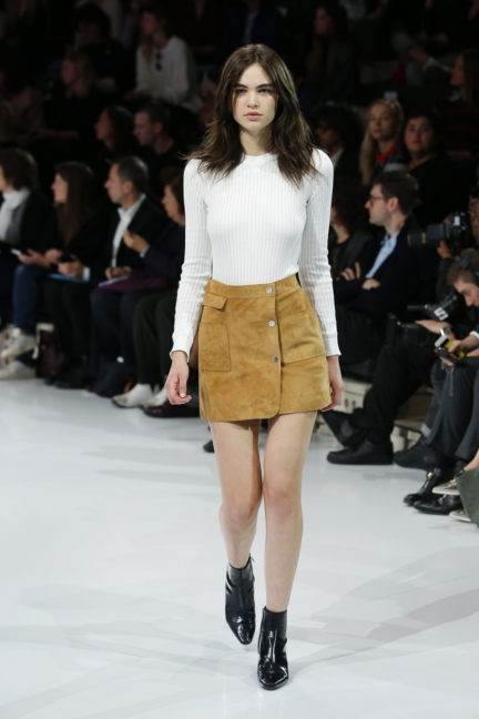 courreges-paris-fashion-week-spring-summer-2016-31