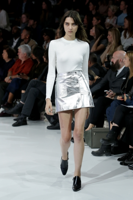 courreges-paris-fashion-week-spring-summer-2016-32