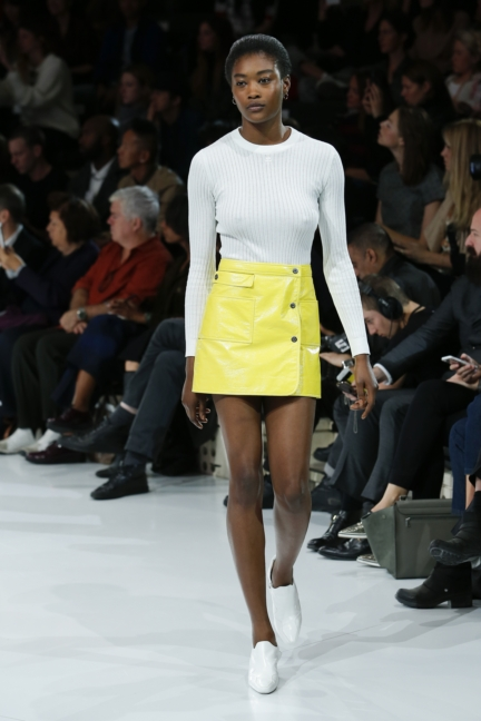 courreges-paris-fashion-week-spring-summer-2016-33