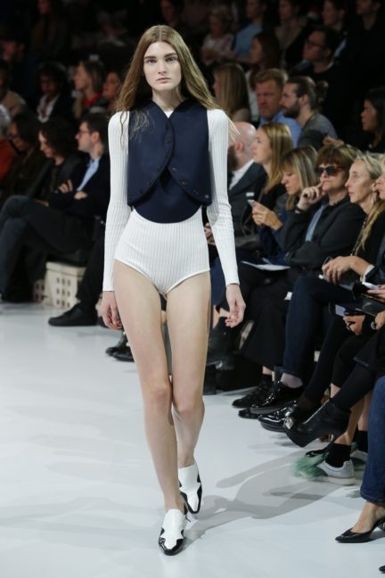 courreges-paris-fashion-week-spring-summer-2016-41