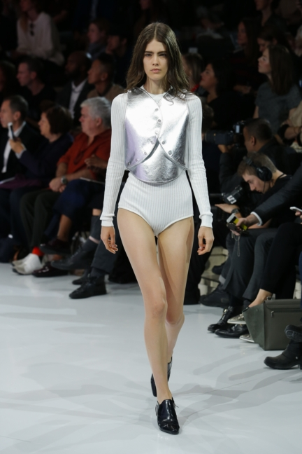 courreges-paris-fashion-week-spring-summer-2016-42