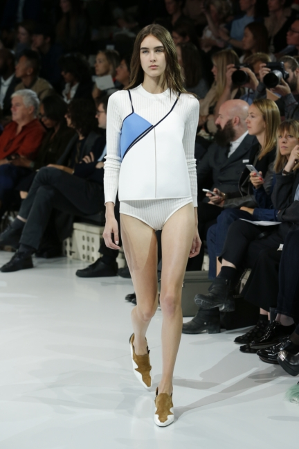 courreges-paris-fashion-week-spring-summer-2016-44