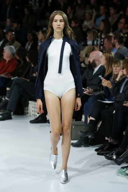 courreges-paris-fashion-week-spring-summer-2016-47