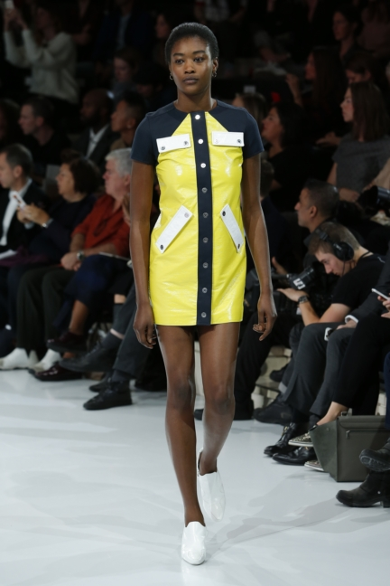 courreges-paris-fashion-week-spring-summer-2016-58