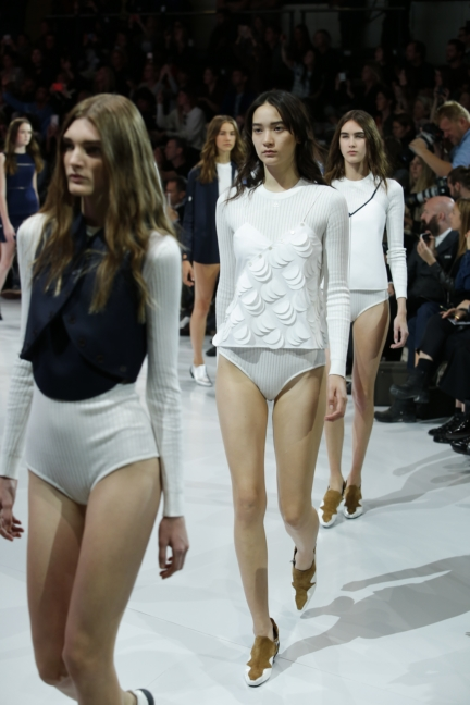 courreges-paris-fashion-week-spring-summer-2016-66