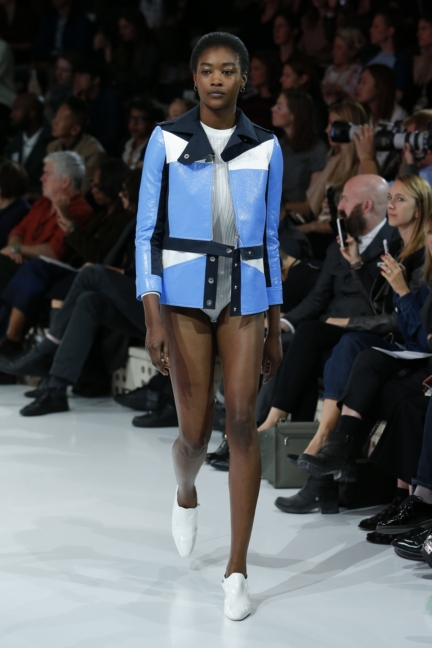 courreges-paris-fashion-week-spring-summer-2016-8