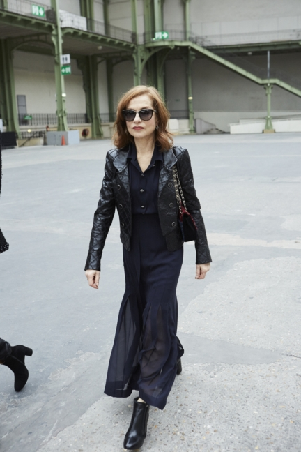 15_isabelle_huppert_spring-summer_2018_haute_couture_collection