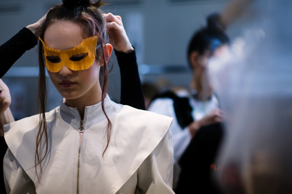 yana-davydova-backstage-ulyana-sergeenko-paris-haute-couture-fashion-week-spring-summer-2016-yd0245