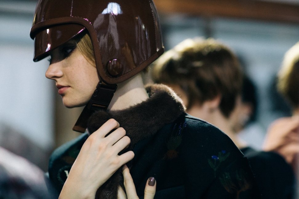 yana-davydova-backstage-ulyana-sergeenko-paris-couture-fashion-week-fall-winter-2017_yd4353