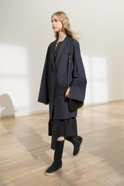 lemaire-paris-fashion-week-spring-summer-2016-25