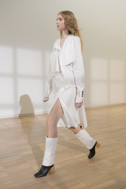 lemaire-paris-fashion-week-spring-summer-2016-8