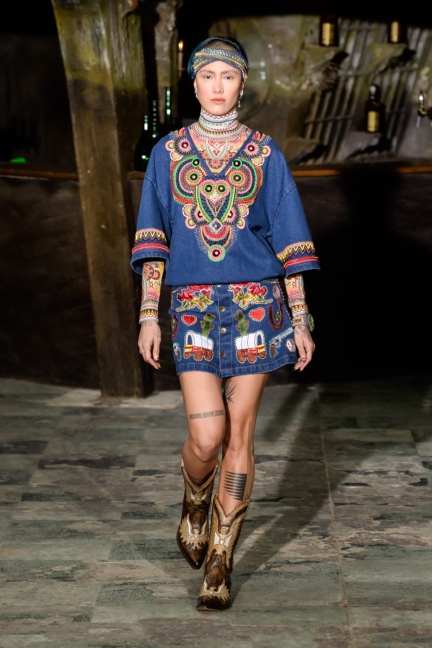 manish-arora-paris-fashion-week-aw-16-12