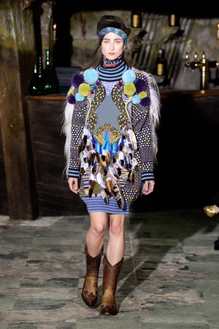 manish-arora-paris-fashion-week-aw-16-15