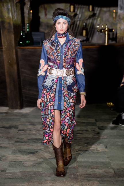 manish-arora-paris-fashion-week-aw-16-32