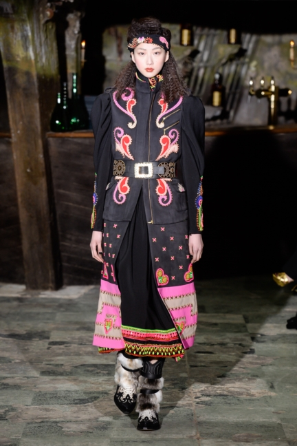 manish-arora-paris-fashion-week-aw-16-34