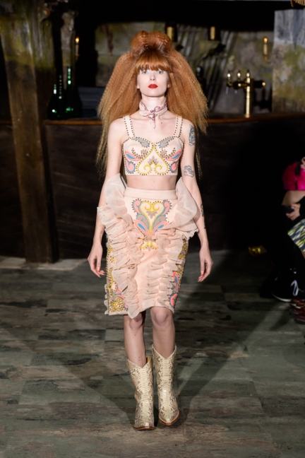 manish-arora-paris-fashion-week-aw-16-4