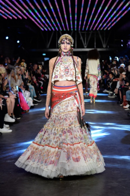 manish-arora-paris-fashion-week-spring-summer-2016-10