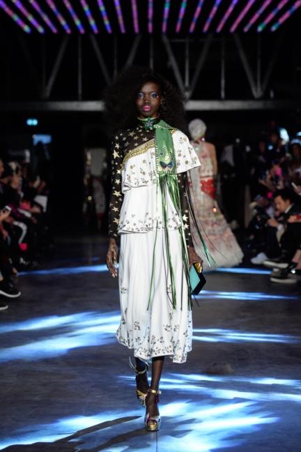manish-arora-paris-fashion-week-spring-summer-2016-11