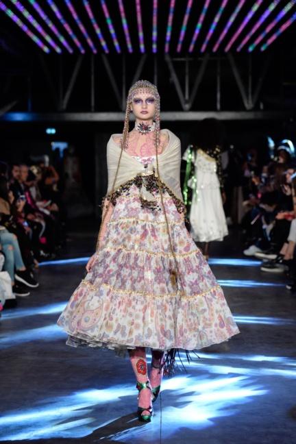 manish-arora-paris-fashion-week-spring-summer-2016-12