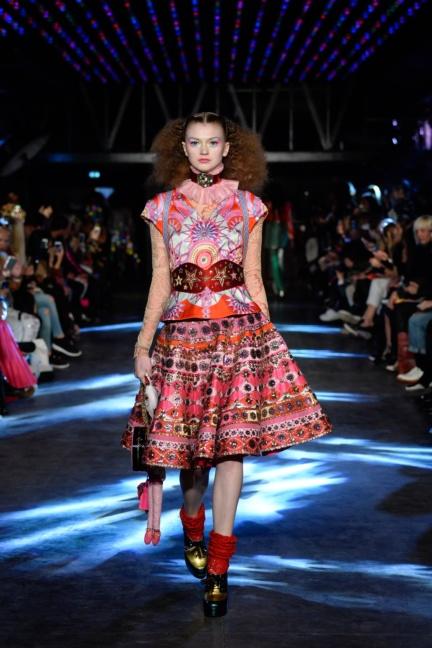 manish-arora-paris-fashion-week-spring-summer-2016-16