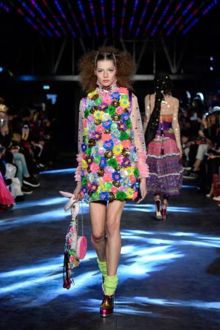 manish-arora-paris-fashion-week-spring-summer-2016-18