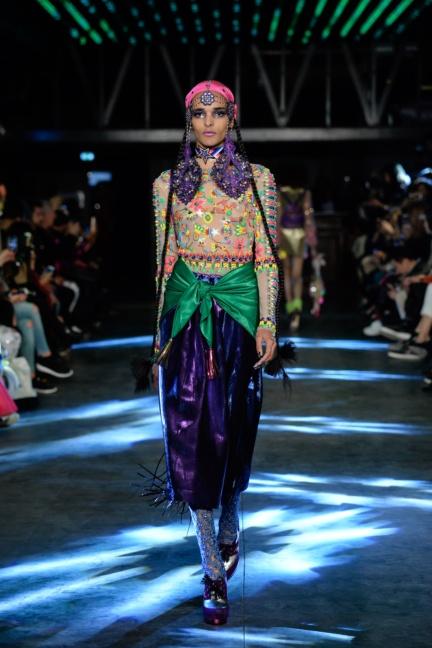 manish-arora-paris-fashion-week-spring-summer-2016-19
