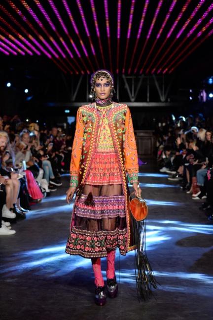 manish-arora-paris-fashion-week-spring-summer-2016-2