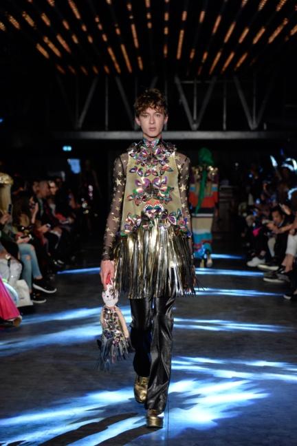 manish-arora-paris-fashion-week-spring-summer-2016-25
