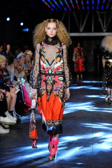 manish-arora-paris-fashion-week-spring-summer-2016-29