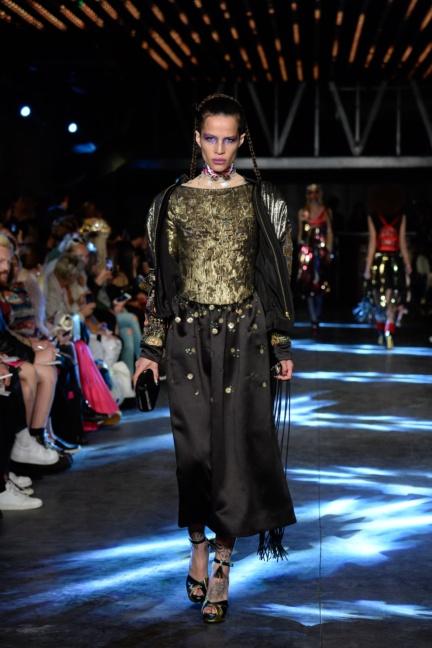 manish-arora-paris-fashion-week-spring-summer-2016-38
