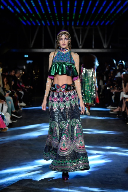 manish-arora-paris-fashion-week-spring-summer-2016-40
